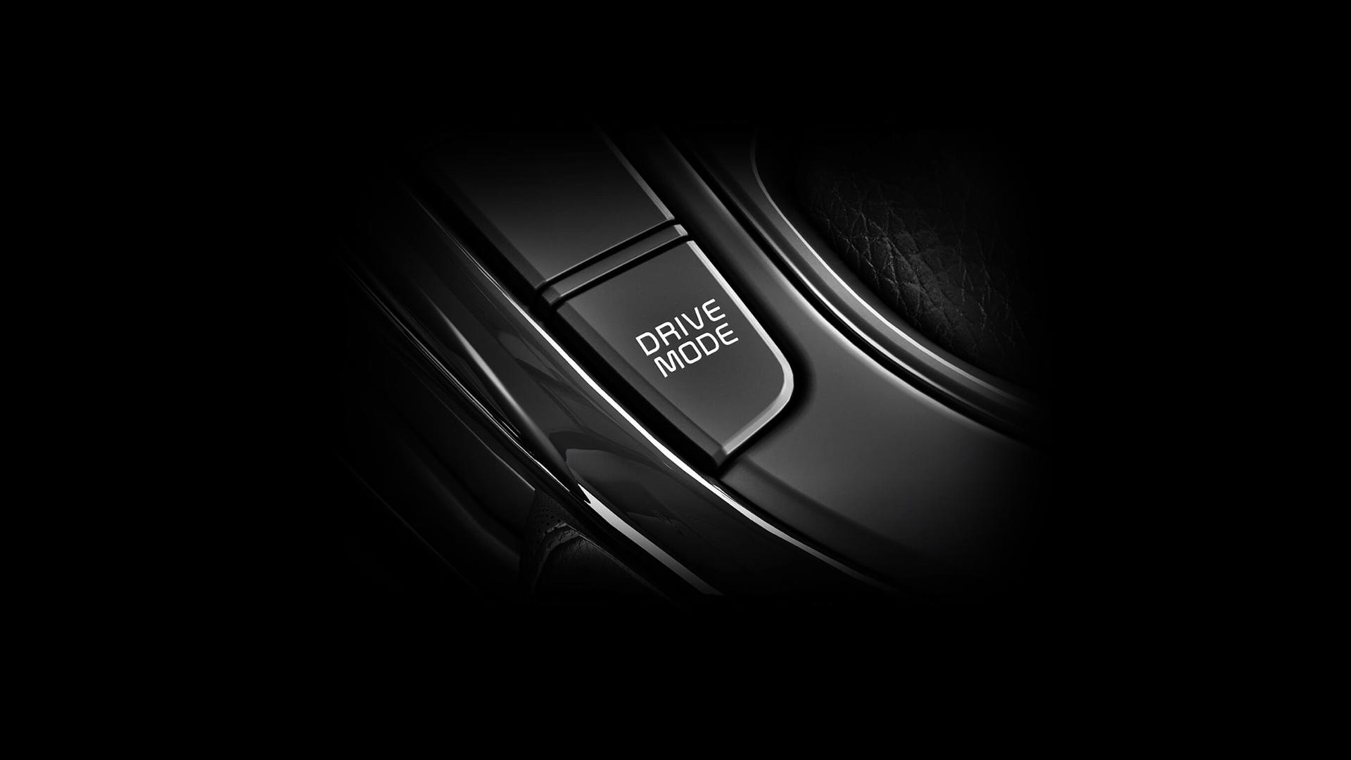 Chế độ lái (DMS) (1.6 AT, 2.0 AT) : với hộp số tự động DMS cho phép bạn tùy chọn chế độ Comfort,Eco hoặc Sport phù hợp với sở thích và điều kiện lái xe của bạn